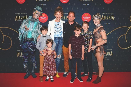 Juno Rinaldi attending the premier show of with her family