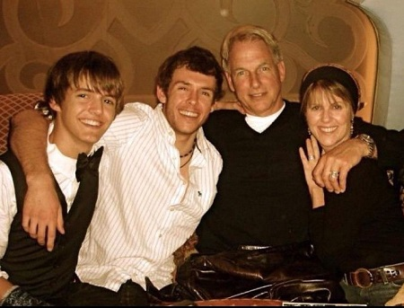 Pam Dawber, the American actress with her husband and their two sons