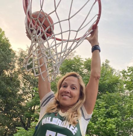Athlete turned actress Sherly Crow at the basketball court