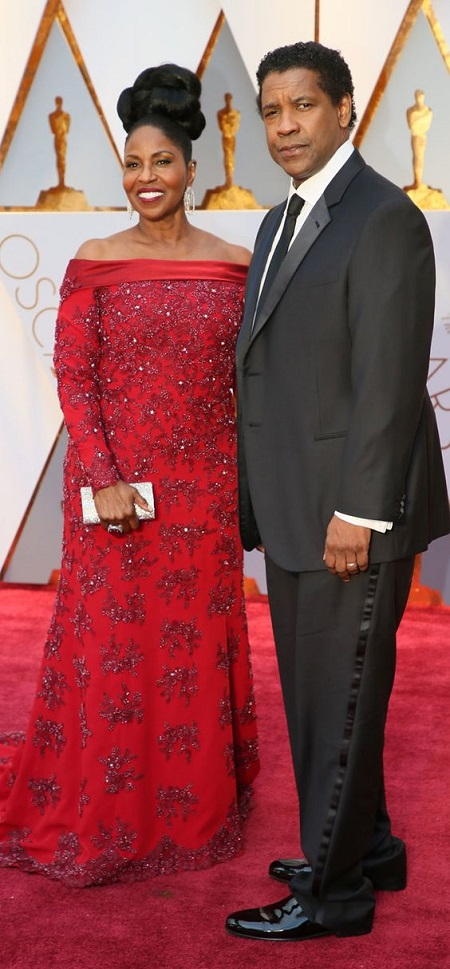 71 years old actress attending an Oscar Red carpet with her husband