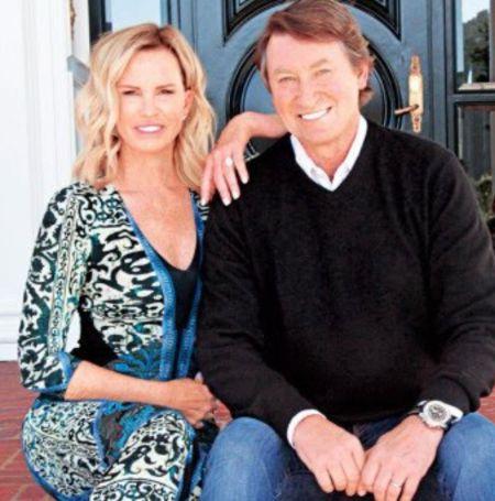 Janet Jones with her NHL player    husband Wayne Gretzky