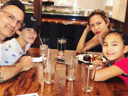 The American celebrity wife Sescie Antin with her husband and her two children