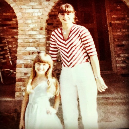 The American interior designer with her mother
