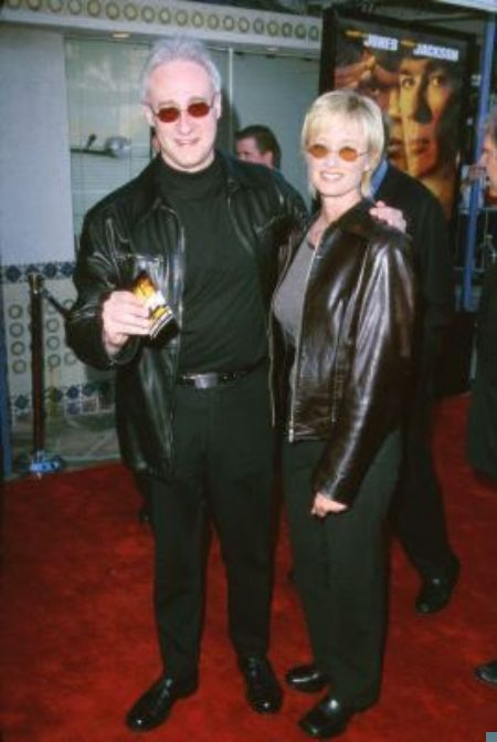 Brent Spiner and Loree McBride at an event for Rules of Engagement (2000)