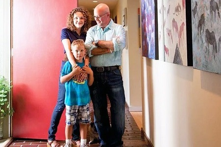 Noah Zimmern with his father and mother