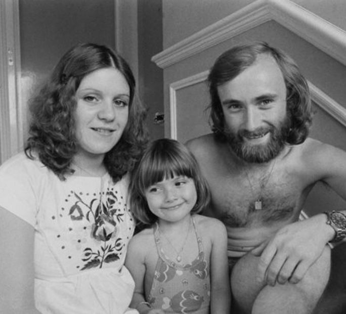 First wife of Phil and her daughter were posing with Phil Collins.