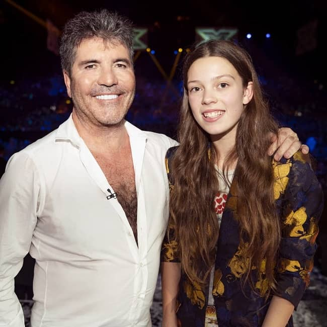Runner up of The Voice Kids Uk, was taking a picture with one of the judges of America's Got Talent.