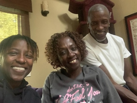 Rutina Wesley  with her father and mother